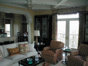 Spindletop-living-room